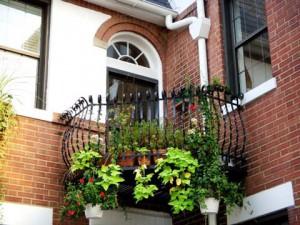 Как обустроить балкон?