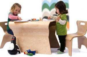 Занятие детей в студии раннего развития