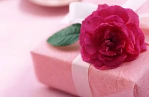 Особенности выбора подарков для женщин на 8 марта